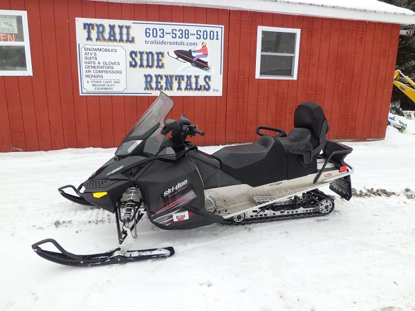 Rent a snowmobile Pittsburg NH